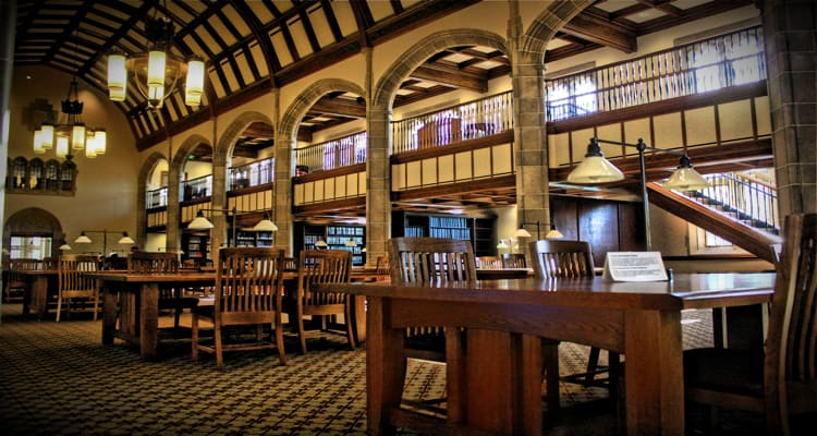 Theodore_Hesburgh_Library_Univ_Notre_Dame