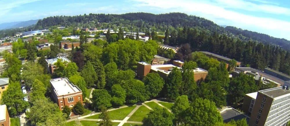 best colleges & universities in Oregon_University_of_Oregon