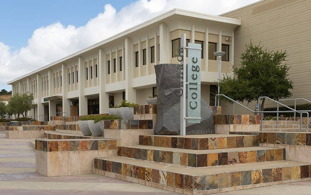 best colleges & universities in california_Cañada_College