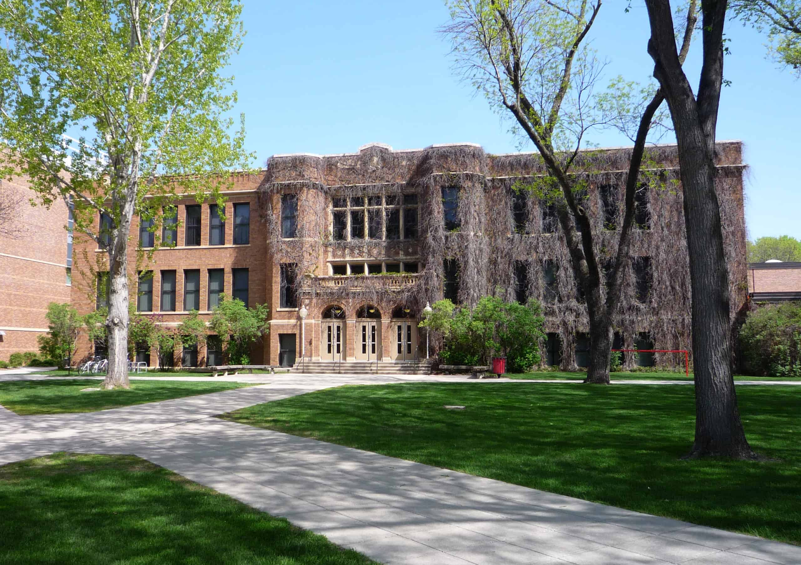 Best_Colleges_Universities_Minnesota_Minnesota_State_University_Moorhead