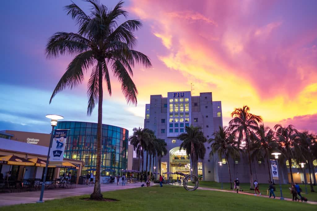 Best_Online_Bachelor's_HR_Degree_Programs_Florida_International_University