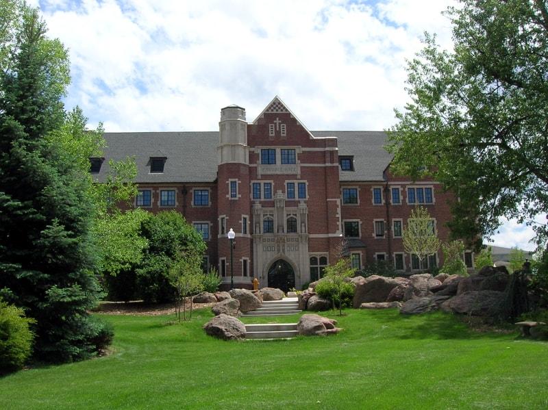 Best_Online_Bachelor's_HR_Degree_Programs_Regis_University